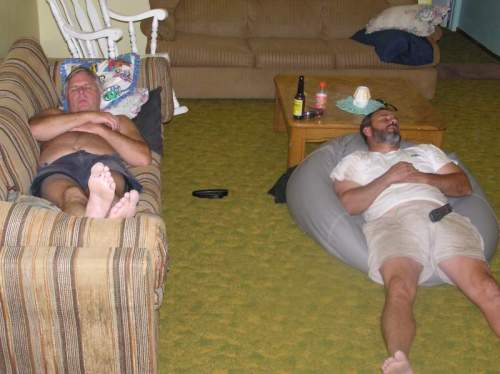BROTHER IN LAWS CAUGHT POWERNAPPING 2004