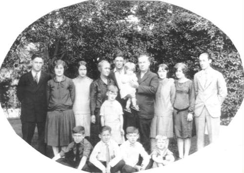 The McChessney & Jane (Winterbottom) O'Camb Family 1926